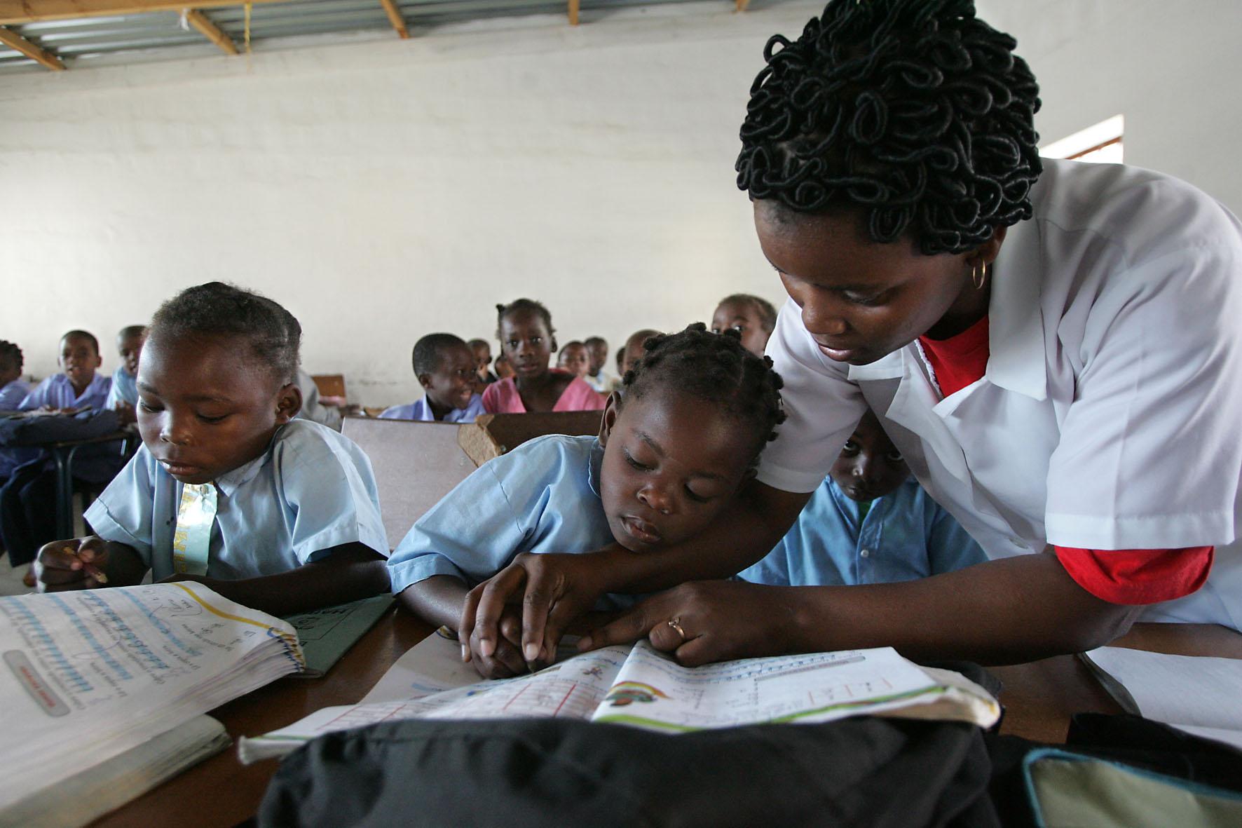 Transformaciones sociales en el frica negra retos for Colegio jardin de africa